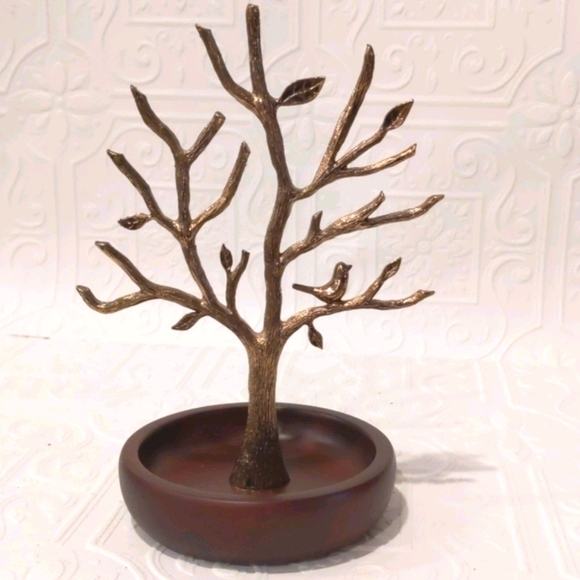 Gold Fossil Jewelry and Accessory Tree